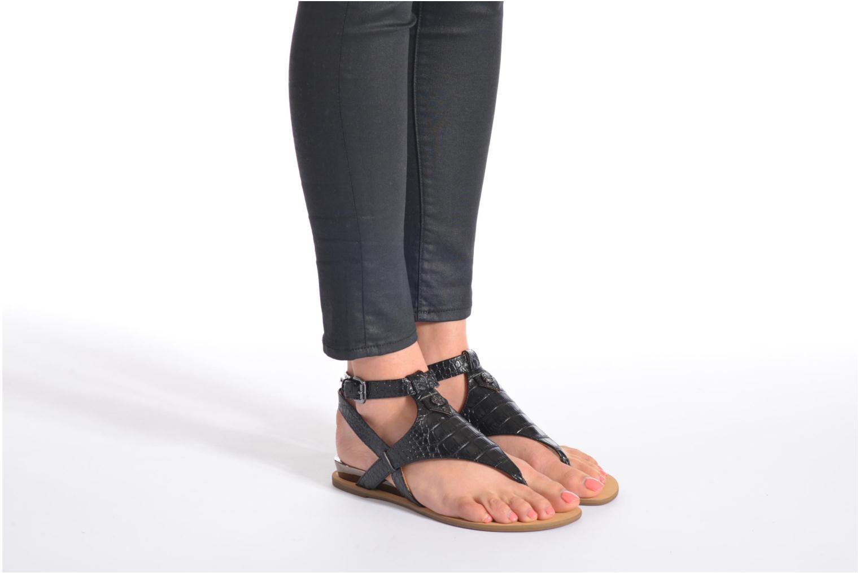 Sandalen Guess Lacie 2 mehrfarbig ansicht von unten / tasche getragen