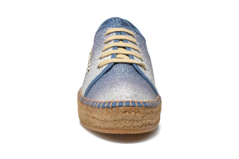 Baskets Guess Renan Bleu vue portées chaussures