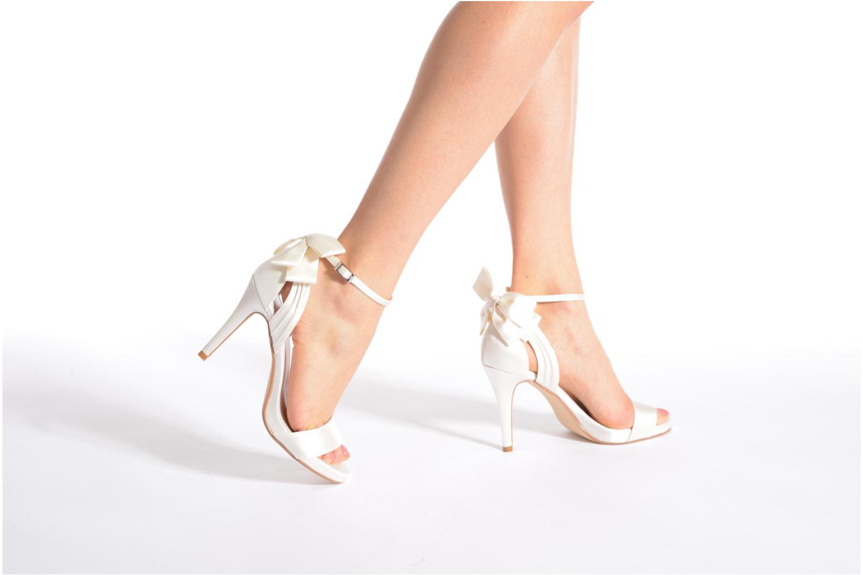 Sandales et nu-pieds Menbur Ana Maria Blanc vue bas / vue portée sac