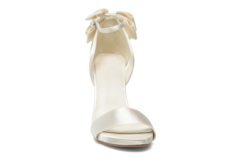 Sandales et nu-pieds Menbur Ana Maria Blanc vue portées chaussures