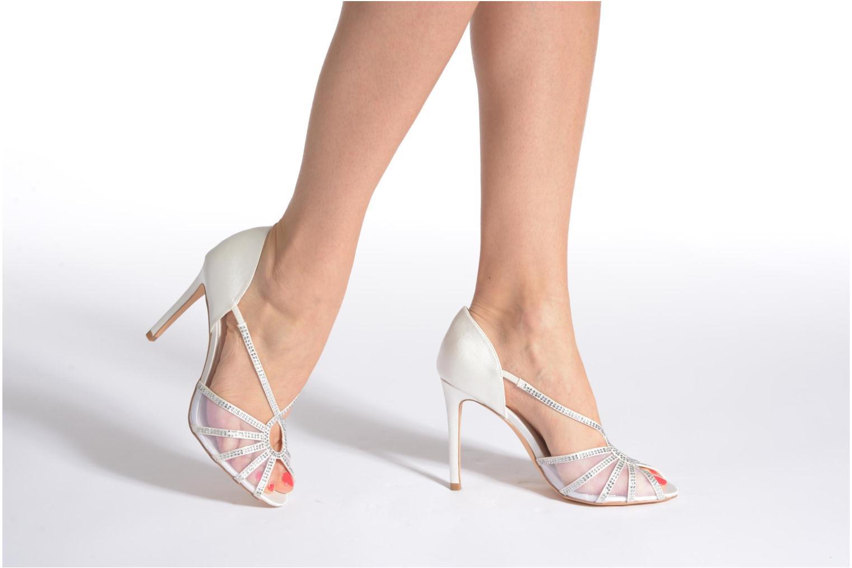 Sandals Menbur Maribel White view from underneath / model view