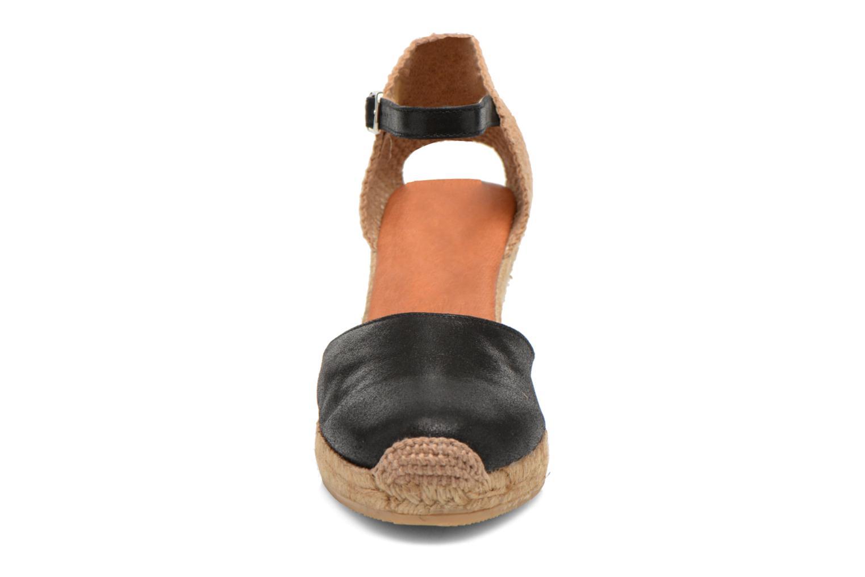 Sandales et nu-pieds Georgia Rose Iponiki Noir vue portées chaussures