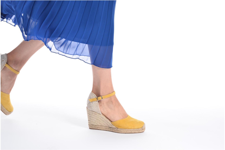 Sandalen Georgia Rose Iponiki braun ansicht von unten / tasche getragen