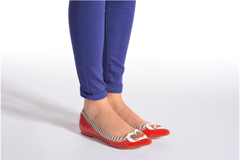 Ballerinas Coca-cola shoes Heart rot ansicht von unten / tasche getragen