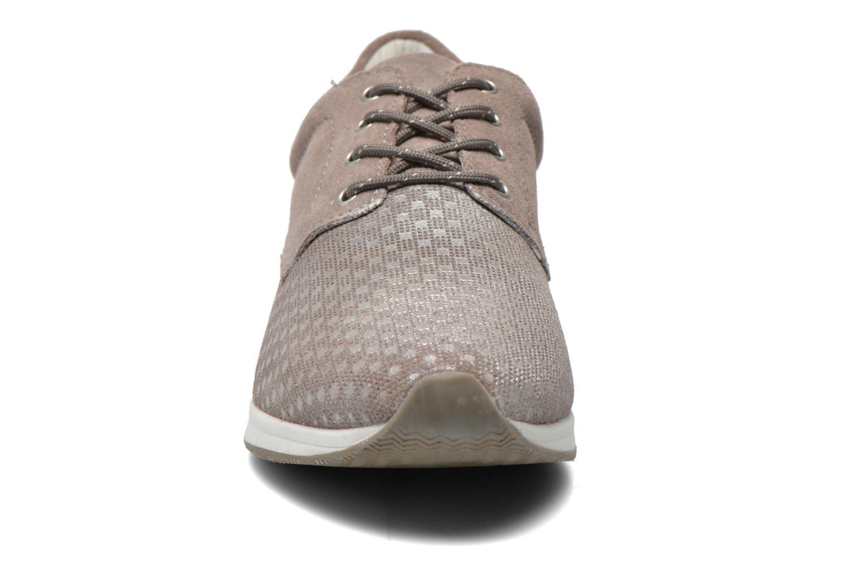 Baskets Bugatti Fina J7801 Beige vue portées chaussures