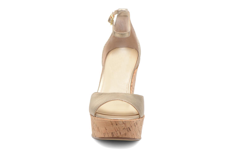 Sandales et nu-pieds Steve Madden PANDORE Or et bronze vue portées chaussures