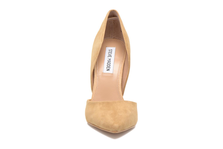 Escarpins Steve Madden VARCITY Beige vue portées chaussures
