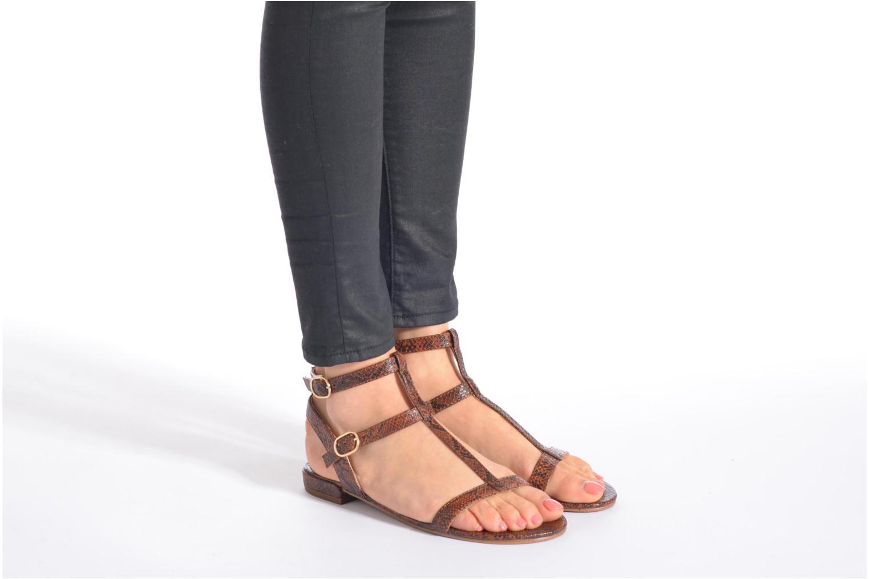 Sandalen Esprit Aely Bis Sandal beige ansicht von unten / tasche getragen