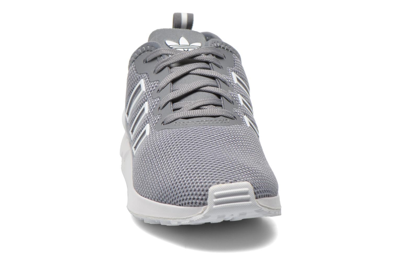 Baskets Adidas Originals Zx Flux Adv K Gris vue portées chaussures