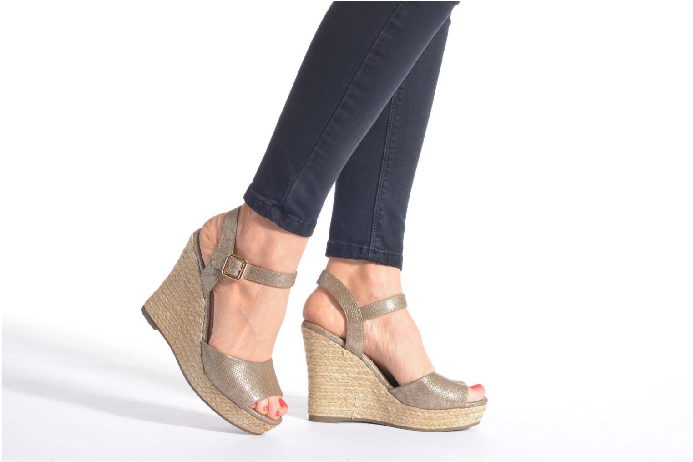 Sandalen Xti Hobby 45855 gold/bronze ansicht von unten / tasche getragen