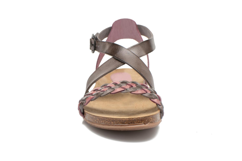 Sandales et nu-pieds Kickers Analogia Rose vue portées chaussures