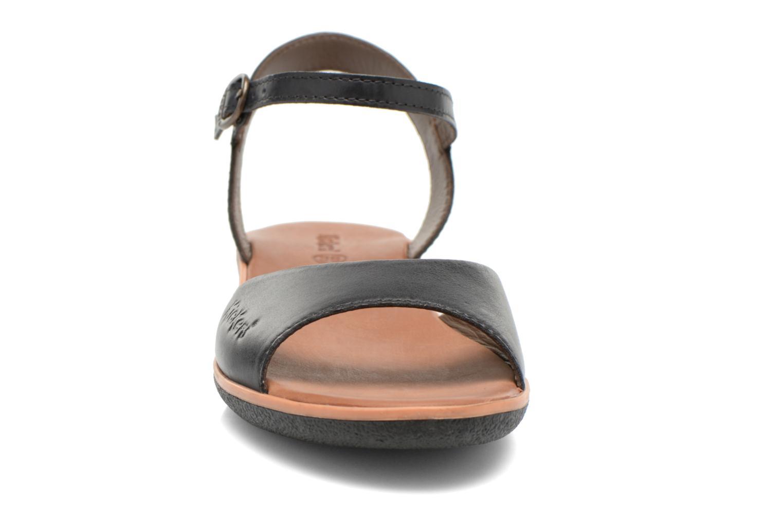 Sandales et nu-pieds Kickers Hypsi Noir vue portées chaussures