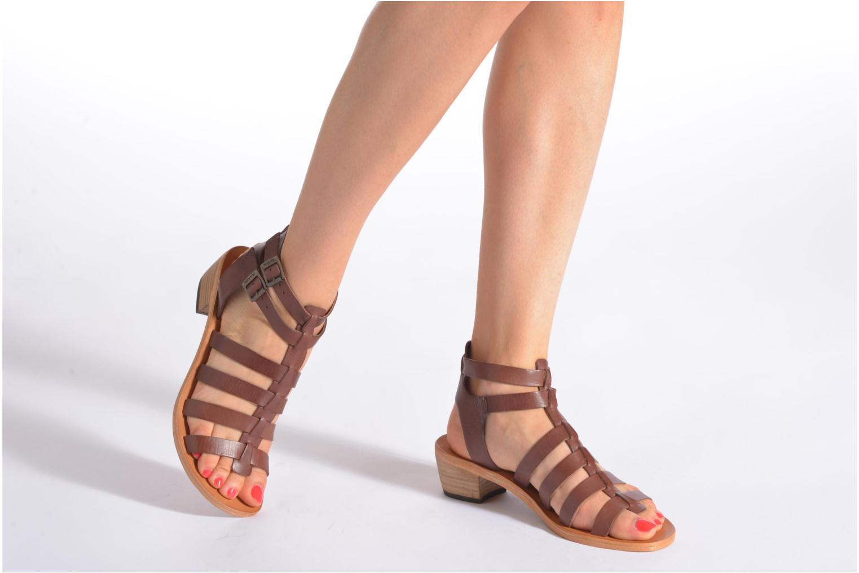 Sandales et nu-pieds Kickers Khôala Marron vue bas / vue portée sac