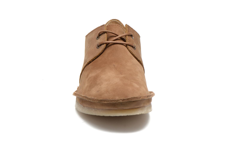 Zapatos con cordones Kickers Mystilace Marrón vista del modelo