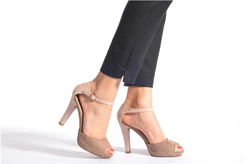 Sandalen Refresh Lena schwarz ansicht von unten / tasche getragen
