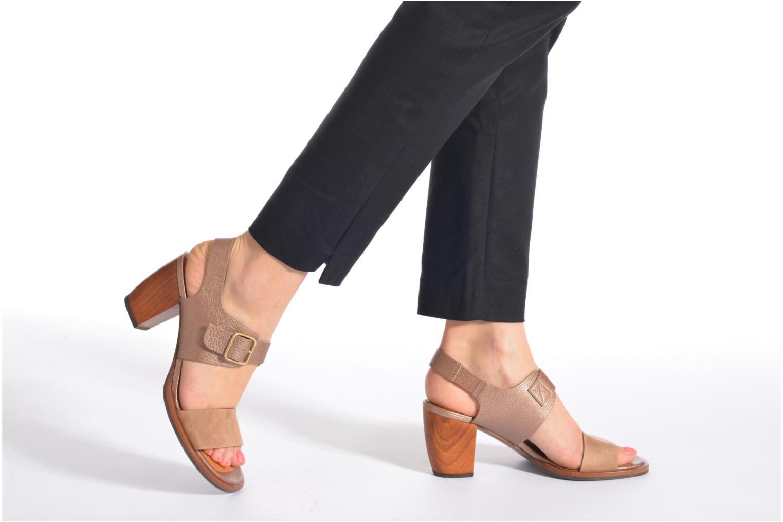 Sandales et nu-pieds Chie Mihara Queva Or et bronze vue bas / vue portée sac