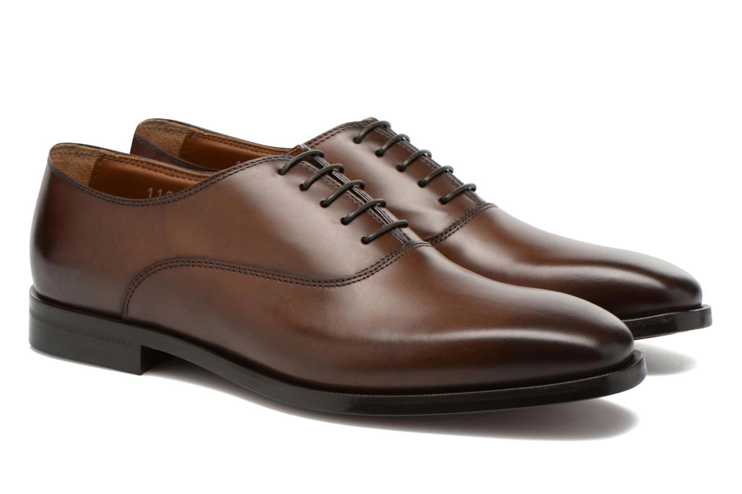Lace-up shoes Doucal's Guido Brown 3/4 view