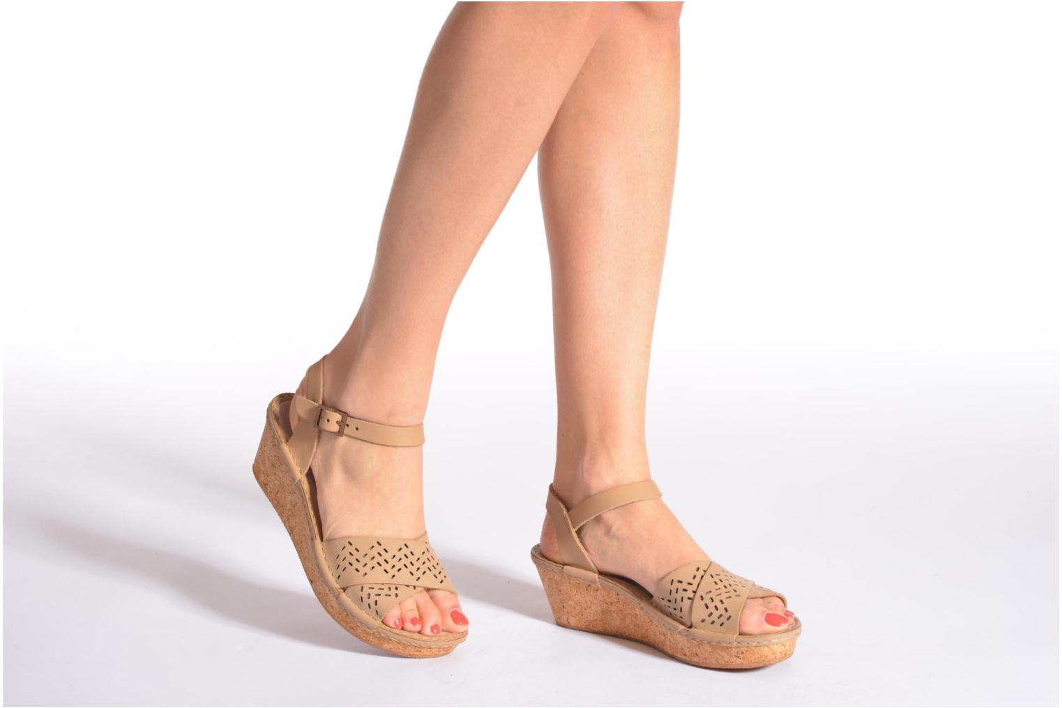 Sandals TBS Alyson Beige view from underneath / model view