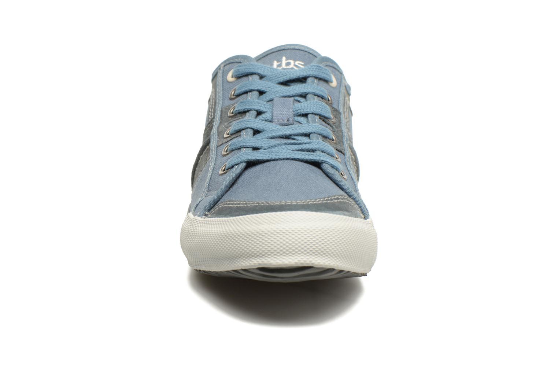 Baskets TBS Edgard Bleu vue portées chaussures