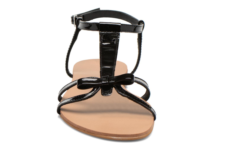 Sandales et nu-pieds Georgia Rose Calyou Noir vue portées chaussures