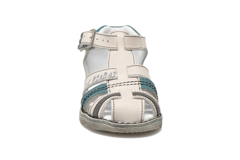 Sandales et nu-pieds GBB Max Gris vue portées chaussures
