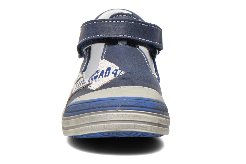 Scarpe con gli strappi GBB Mika Azzurro modello indossato