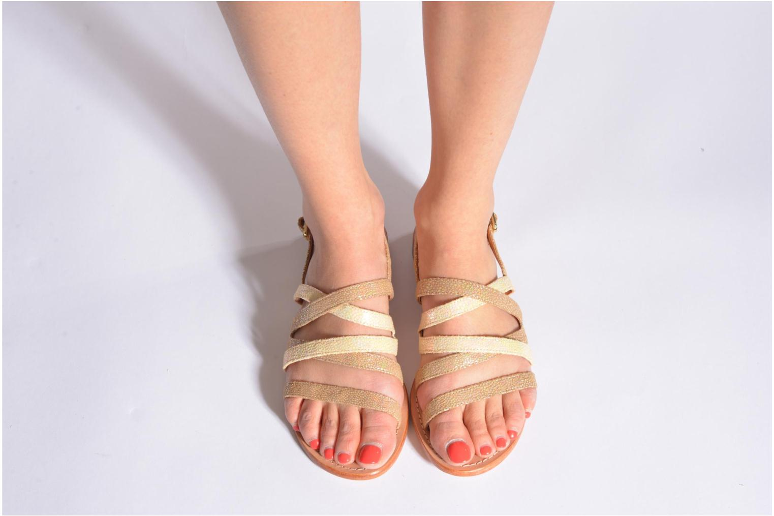 Sandals Mellow Yellow Valoma Beige view from underneath / model view