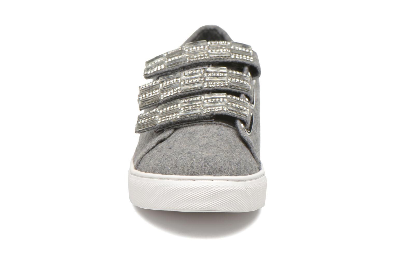 Baskets COSMOPARIS Emi Gris vue portées chaussures