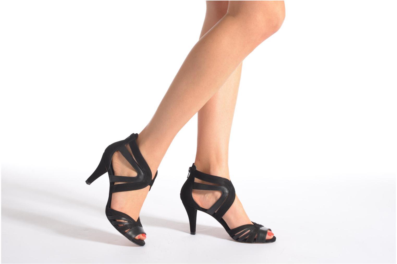 Sandales et nu-pieds COSMOPARIS Jamil Noir vue bas / vue portée sac