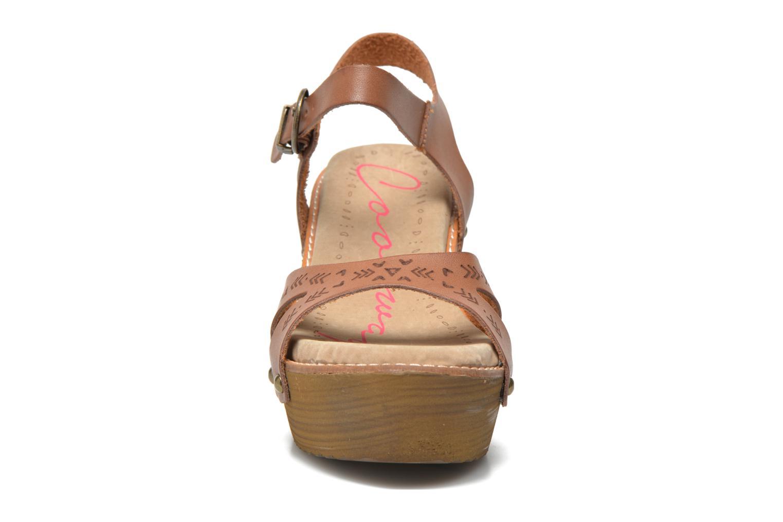 Sandales et nu-pieds Coolway Caleb Marron vue portées chaussures