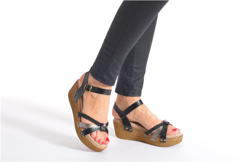 Sandalen Coolway Celine braun ansicht von unten / tasche getragen