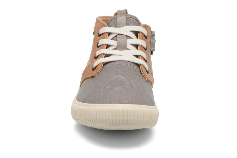 Baskets Kickers Perouze Gris vue portées chaussures