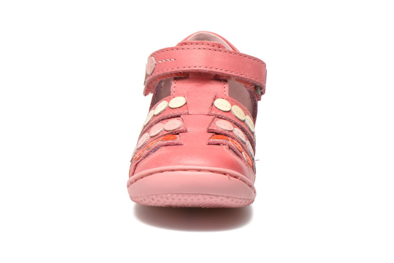 Sandalen Kickers Gift Kids rosa schuhe getragen