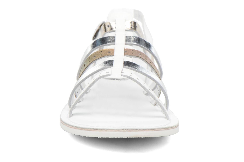 Sandalen Kickers Dixmillion Perf weiß schuhe getragen