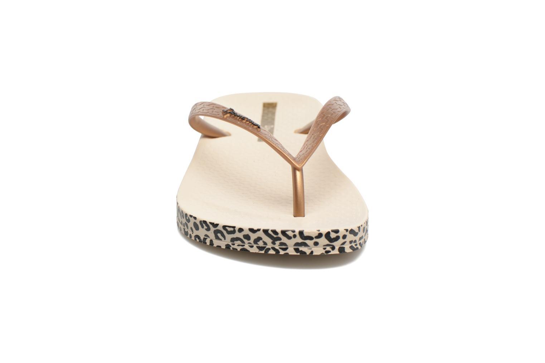 Flip flops Ipanema Anatomica Soft Beige model view
