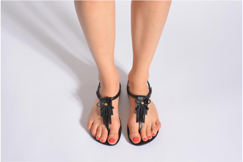 Sandales et nu-pieds Ipanema Charm Marron vue bas / vue portée sac