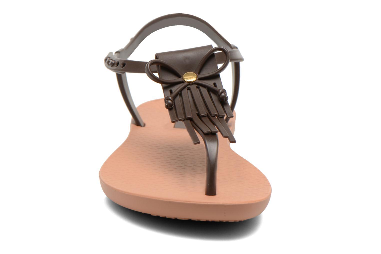 Sandales et nu-pieds Ipanema Charm Marron vue portées chaussures