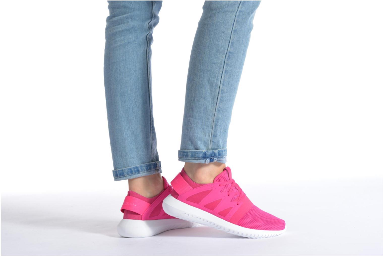 Sneaker Adidas Originals Tubular Viral W rosa ansicht von unten / tasche getragen