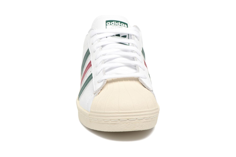 Baskets Adidas Originals Superstar 80S Blanc vue portées chaussures
