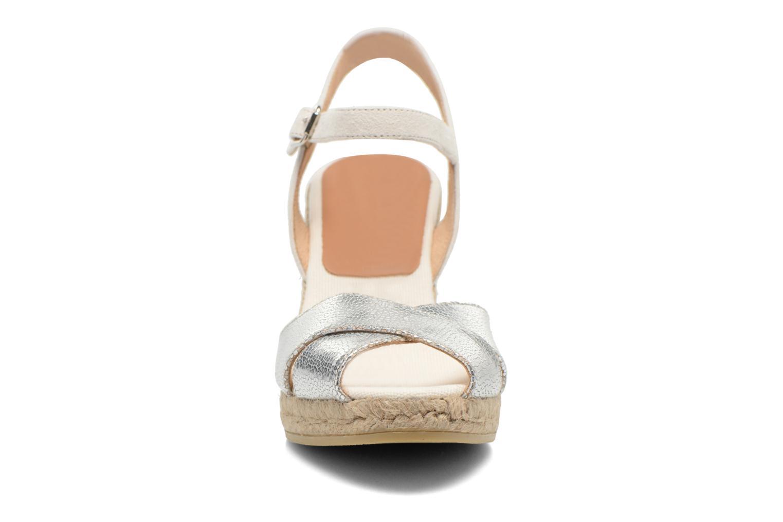 Sandales et nu-pieds Kanna Camoa Beige vue portées chaussures