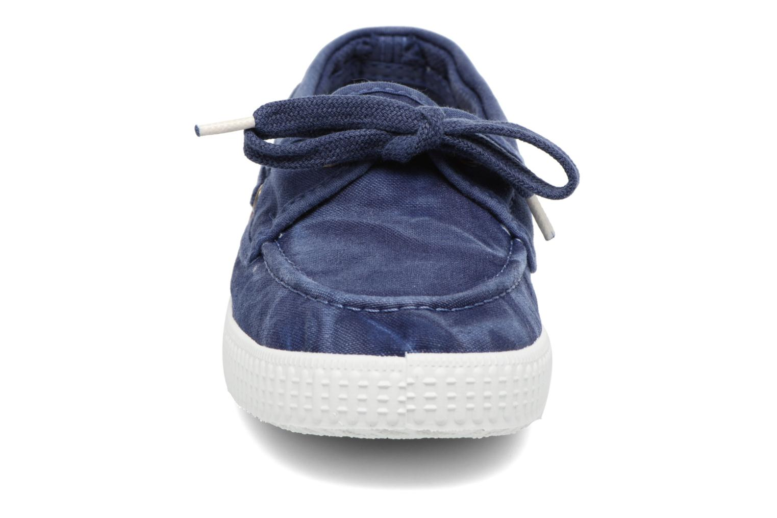 Lace-up shoes Cienta Martino Blue model view