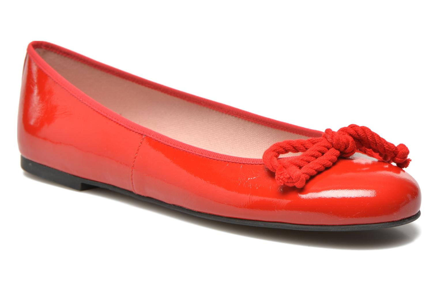 Ballet pumps Pretty Ballerinas Rosario thick lace Red detailed view/ Pair view