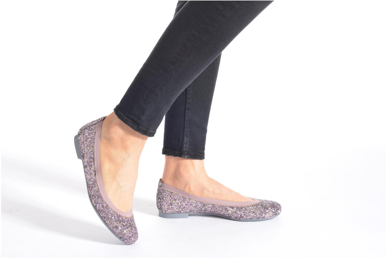 Ballet pumps Pretty Ballerinas Shirley Silver view from underneath / model view