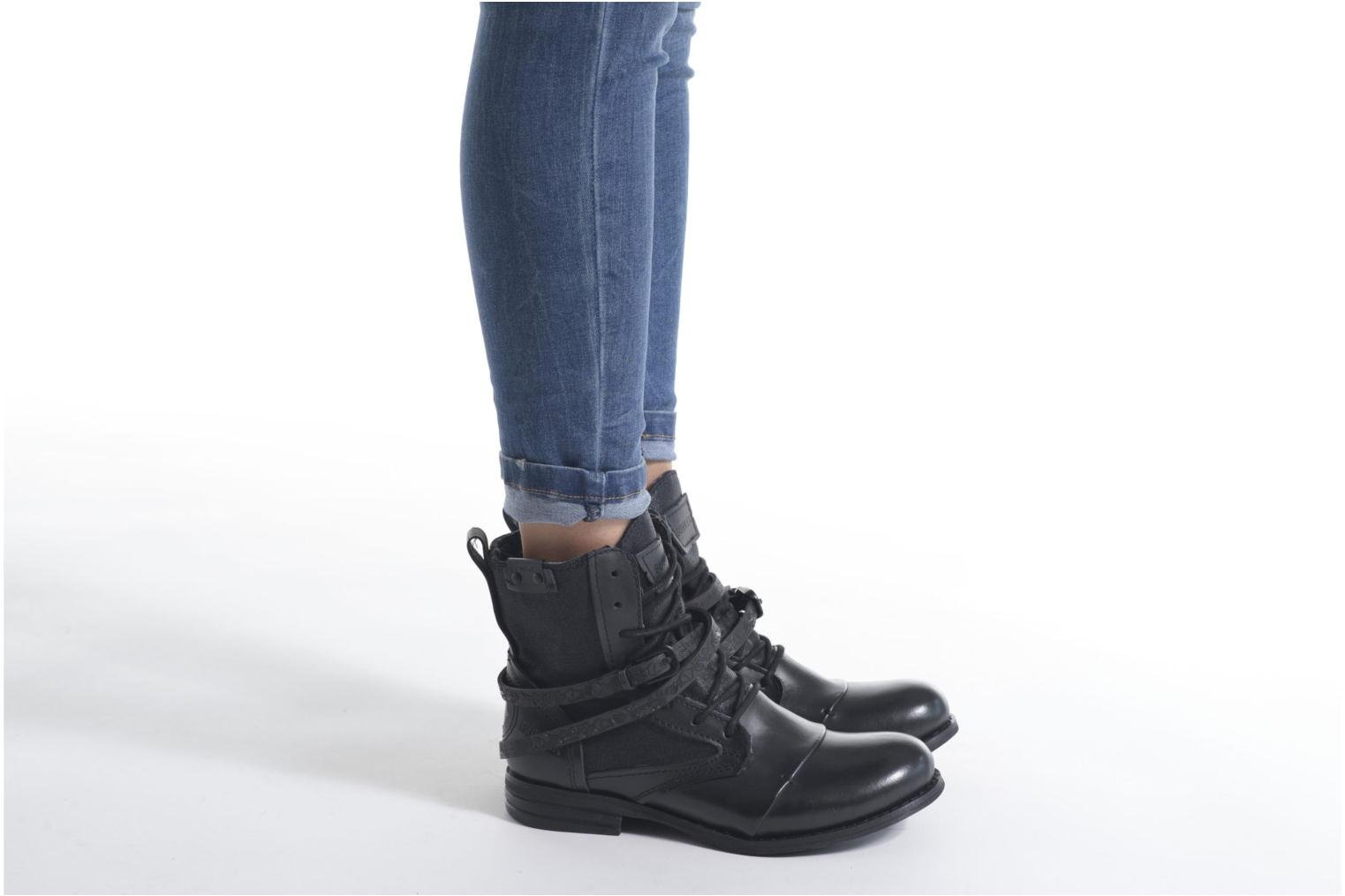 Ankle boots Bunker Sara Kol Brown view from underneath / model view