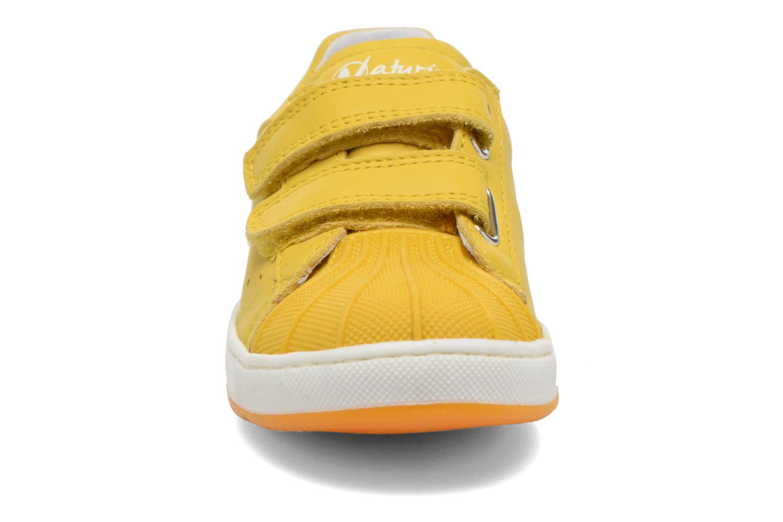 Baskets Naturino Diamante 4064 VL Jaune vue portées chaussures