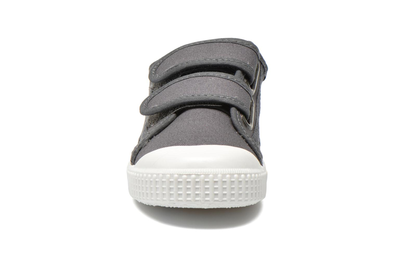 Trainers Victoria Basket lona Dos Velcos Grey model view