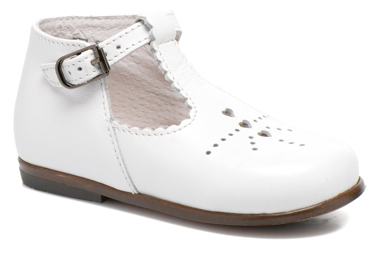 Summer boots Little Mary Floriane White detailed view/ Pair view