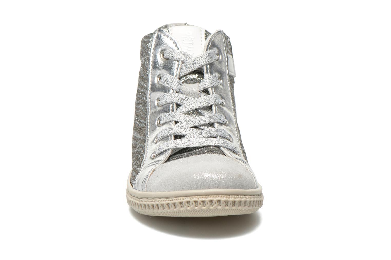 Baskets Primigi Etty 7 Argent vue portées chaussures