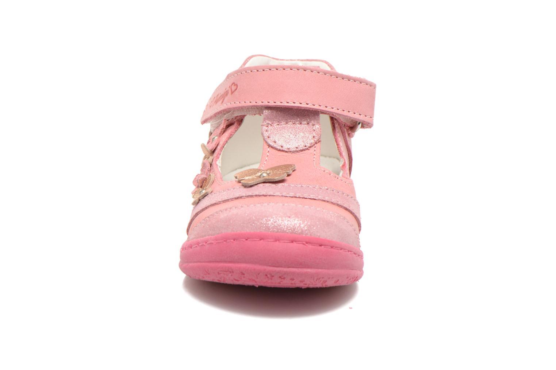Zapatos con velcro Primigi Giusy-E Rosa vista del modelo