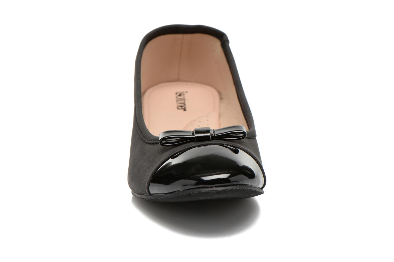 Ballerines Isotoner Ballerine bout rond vernis talon 3cm Noir vue portées chaussures